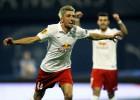 """""""Salzburg"""" un Maskavas """"Dinamo"""" iekļūst Eiropas līgas izslēgšanas spēlēs"""