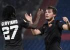 """""""Feyenoord"""" līdzjutēji rīko skandālu arī atbildes spēlē, tālāk iekļūst """"Roma"""""""