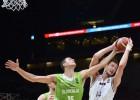"""Strēlnieks un Bērziņš iekļuvuši """"Eurobasket"""" dienas labāko pieciniekā"""