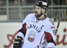 """Hokeja izlase atklātā vēstulē: """"Mēs palīdzēsim bērnu un jauniešu hokejam"""""""