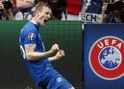 """Islandiešu uzbrucējs: """"Treneris teica, ka Anglija ir pārvērtētākā izlase, pret kādu spēlējis"""""""