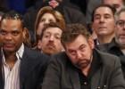 """Ņujorkas """"Knicks"""" īpašnieks rupji apvaino fanu un atkal iekuļas skandālā"""