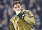 """Talantīgais Donnarumma atraida Milānu; PSG un Madrides """"Real"""" var sākt cīņu"""