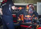 Video: Ožjē piepilda senu sapni un pirmo reizi piedalās F1 testos
