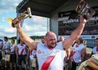 Spēkavīrs Zāģeris uzstāda Latvijas rekordu baļķa celšanā