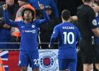 """Uz maiņu iznākušais Viljans galotnē izglābj """"Chelsea"""" no zaudējuma Liverpūlē"""