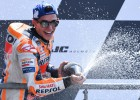 """Markess Lemānā izcīna savu trešo """"MotoGP"""" uzvaru pēc kārtas"""