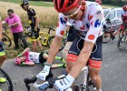 """Skujiņš krīt, bet saglabā """"Tour de France"""" kalnu karaļa līdera kreklu (+video)"""
