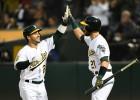 """Fīrss, Loreano palīdz """"Athletics"""" sagraut """"Rangers"""" un panākt """"Astros"""""""