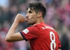 """""""Bayern"""" minimāla uzvara ļauj tabulā panākt """"Borussia"""""""