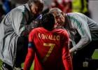 Ronaldu izvairījies no nopietnas traumas Portugāles izlases spēlē