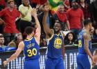 """Karijam un Grīnam """"triple-double"""", """"Warriors"""" atkal iekļūst NBA finālā"""