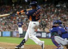 """Brentlija divi """"Home run"""" nodrošina """"Astros"""" piekto panākumu pēc kārtas"""