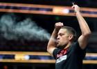 Diazs ''UFC 241'' atklātajā treniņā uzsmēķē kāsi (+video)