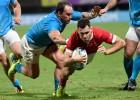 Velsa negaidīti smagā spēlē uzvar Urugvaju