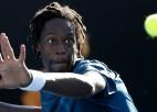 Monfīsam 15. mēģinājums ATP mačā uzvarēt Džokoviču