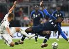 Vācija meklēs pirmo uzvaru, Francija - vietu pusfinālā
