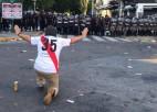 """Pēc uzbrukuma autobusam pārcelta """"Copa Libertadores"""" otrā finālspēle"""
