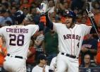 """""""Astros"""" sagrauj """"Athletics"""" un izvirzās MLB līderpozīcijās"""