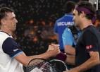 Federers dramatiskā supertaibreikā pieveic Milmanu un svin 100. uzvaru Melburnā