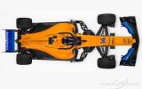 """Foto: """"McLaren"""" prezentē 2018. gada """"Formula 1"""" mašīnu"""