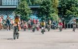 Foto: Ar vērienu aizvadītas Rīgas lielās balvas sacensības riteņbraukšanā