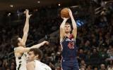 Ko paveikuši Bertāna pretinieki NBA konkursā?