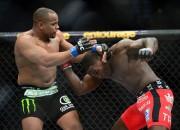 Daniels Kormjē kronēts par jauno UFC čempionu