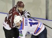 Saigo gūst vārtus no centra, ''Dinamo'' piekāpjas ''Sibir''