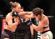 Čempione Ronda Rouzija turpina dominēt UFC