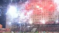 Neierasta futbola atmosfēra Alžīrijā - kausa pusfināla laikā šauj salūtu
