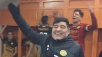 Maradona līksmo un svin pirmo uzvaru
