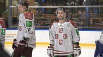 Trīs zvaigžņu vietā četri ģerboņi, hokejisti atrāda jaunās formas