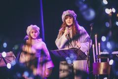 """Foto: Valta Pūces Ziemassvētku koncerts """"Ir spožums kāds tuvāks"""""""