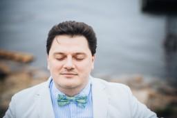 """Koncertzāle """"Cēsis"""" svin pavasari ar operdziedātāja Aleksandra Antoņenko koncertu un Ilzes Avotiņas personālizstādi"""