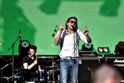 """Video: Ivo Fomins iedzied Mārtiņa Freimaņa dziesmu """"Satīties, sapīties"""""""