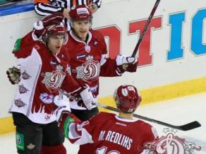 Latvju bāleliņi Krievijas hokeja tirgū 2012-06-09_sprukts_karsums_m_redlihs_vs_lev_2011_10_12_dinamo