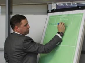 Dobrecovs, Koliņko un citi Latvijas treneri iegūst Pro-UEFA licenci