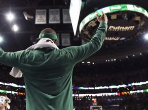 Dienu pirms ''Celtics'' pirmās ''play-off'' spēles avārijā mirusi Tomasa māsa