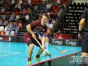 Jauno treneru vadībā Latvijas florbolisti sāk ar neveiksmi