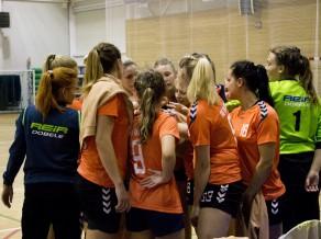Latvijas čempionātā sievietēm četras spēles Dobelē, viena Ulbrokā