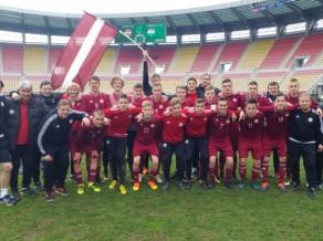 """U19 izlases treneris: """"Šobrīd galvenais ir futbolistu sekmīga pāreja uz pieaugušo futbolu"""""""