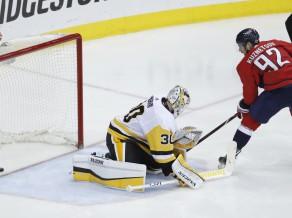 """""""Penguins"""" izstājas no Stenlija kausa, Bļugers var doties palīgā Latvijas izlasei"""