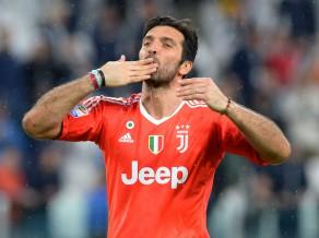 """Bufonam parīt pēdējā spēle """"Juventus"""" kreklā, par karjeras beigām vēl nav izlēmis"""