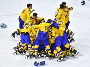 Zviedrija pēcspēles metienos pieveic Šveici un uzvar otro gadu pēc kārtas