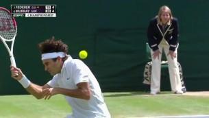 Video: Federers septīto reizi izcīna Vimbldonas čempiontitulu