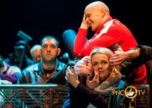 Video: Šodien atkal šokējošā izrāde Izraidītie Dailes teātrī