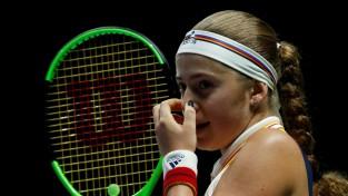 """Ostapenko zaudē """"WTA Finals"""" debijas spēlē"""