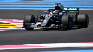 Pirmais F1 treniņš Francijā noslēdzas ar Ēriksona pamatīgu avāriju
