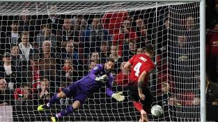 """Lampards dramatiskā cīņā izslēdz Morinju un Mančestras """"United"""" no Līgas kausa"""